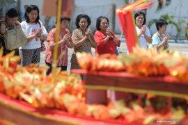 Peringatan Dewi Kwan Im naik ke Nirwana