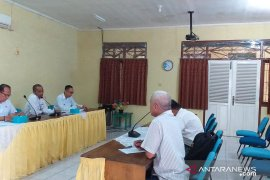 DLH Kabupaten Belitung minta truk pengangkut kaolin gunakan penutup