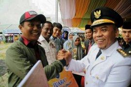 Wartawan ANTARA juara I lomba tulis HUT ke-74 Pemkab Labuhanbatu