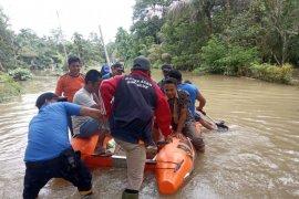 Ratusan warga di Pulau Simeulue Aceh mengungsi akibat  banjir