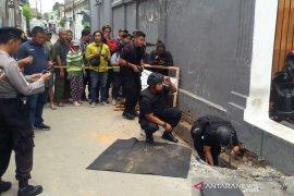 Tim Gegana Polda DIY evakuasi 119 peluru aktif temuan warga di saluran drainase