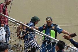 Pengungsi dari Wamena tiba di Surabaya