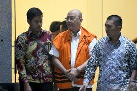 Wali Kota Medan Tengku Dzulmi Eldin ditahan KPK