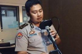 Talk show di radio, AKP Ridzky imbau warga Banten tolak radikalisme dan terorisme