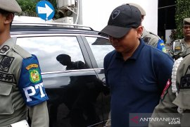 Staf Wali Kota Medan yang kabur menyerahkan diri ke KPK