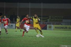 "Liga 1, ""Hattrick"" Torres bawa Barito Putera lumat Perseru Badak Lampung FC"