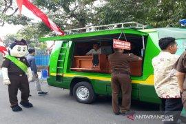 Kejaksaan Bangkalan sediakan mobil keliling pembayaran tilang