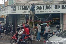 LBH Medan diteror, kantor dilempar bom molotov orang tak dikenal