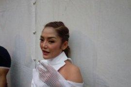 """Siti Badriah mengaku bangga tampil di konser """"Musik Untuk Negeri"""" meski tak dibayar"""