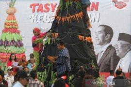 """""""Arek-Arek Suroboyo"""" sambut Presiden-Wapres RI"""