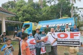 IOF Banten distribusikan air bersih ke lima desa di Pandeglang.