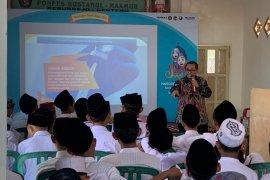 Bio Farma edukasi 400 santri Jawa Timur gaya hidup sehat