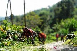 Gotongroyong pererat kemanunggalan TNI dengan rakyat