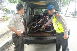 Ditabrak Suzuki APV, pensiunan TNI meninggal dunia saat bersepeda