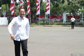 Pendiri Gojek Nadiem Makarim datang ke istana kepresidenan