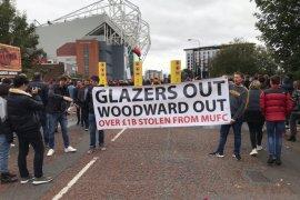 Liga Inggris - Aksi protes 'Pecat Woodward' warnai laga MU vs Liverpool