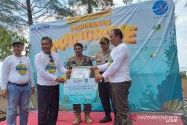 Air Nav Indonesia serahkan bantuan program bina lingkungan