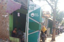 Sejumlah titik bus  stop di Kota Tangerang rusak