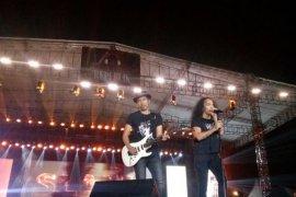 """Grup band Slank sukses tutup kemeriahan konser """"Musik Untuk Republik"""""""