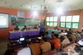 Puluhan perangkat Desa Arse mengikuti sosialisasi Jaksa Garda Desa