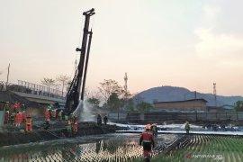 Kebakaran pipa minyak di KM 129 Tol Purbaleunyi mulai padam
