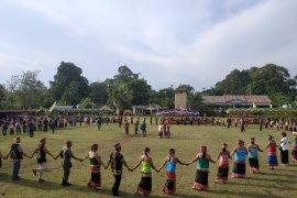 Festival budaya suku Dayak Kayaan Mendalam Kapuas Hulu berakhir meriah