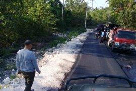Pembangunan jalan di Kei Besar terus dilakukan