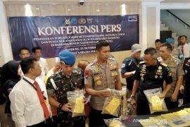 Polisi Bandung sita 12,3 Kg sabu dari seorang kurir di Bandara Husein