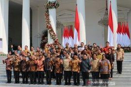 Presiden Jokowi umumkan nama-nama menteri Kabinet Indonesia Maju