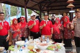 Wabup Bangka sambut kedatangan wisatawan dari 14 negara