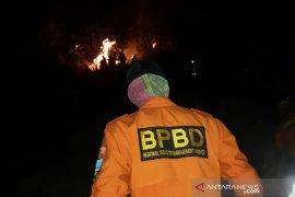 Kebakaran hutan melanda seluruh gunung di Garut