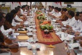 Rapat kabinet paripurna perdana