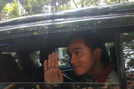 Serius maju Pilkada Surakarta, putra  Presiden Jokowi temui Megawati