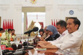 """Jokowi: Yasonna dipilih untuk selesaikan """"omnibus law"""""""
