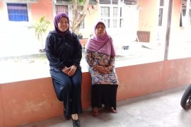 Petugas Kesehatan Bangka survei lingkungan penderita DBD