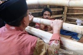 Penderita gangguan jiwa yang dipasung masih banyak ditemukan di Cianjur