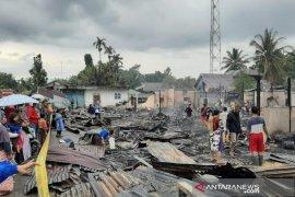 Pemerintah salurkan bantuan bagi korban kebakaran di Paya Bakong, Aceh Utara