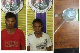 Asyik menikmati sabu-sabu, dua warga Tanjungpura ini diringkus Polisi