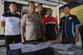 Bendahara Pokmas gelapkan dana rehabilitasi rumah korban gempa untuk main forex