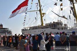 Rabu-Sabtu, ribuan masyarakat Bali kunjungI KRI Bima Suci-945