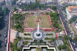 Ribuan pelajar merahputihkan Tugu Pahlawan Surabaya