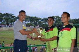 Dandim 0212/TS resmi Tutup Turnamen Sepakbola Old Crek U 35
