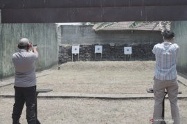 Polres Tulungagung gelar latihan akurasi menembak dengan senjata baru