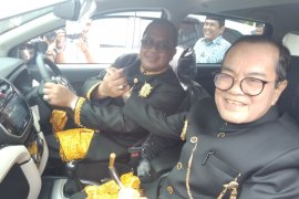 15 tahun pakai mobil tua, 12 camat di Aceh Barat terima mobil baru