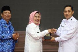 Pemkab Serang berikan beasiswa 51 mahasiswa Untirta dimomen Sumpah Pemuda