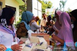 """Wargadi  Kecamatan Telaga Langsat """"serbu"""" pasar murah"""
