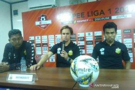 Pelatih Bhayangkara FC tepis tudingan diuntungkan wasit