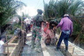 Pembuatan Jembatan Beton TMMD Kodim Inhil Sudah Memasuki Pengecoran