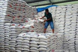 Bulog siapkan 230 ton beras untuk 46.784 penerima BPNT di barat  Aceh