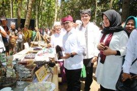 Festival Pasar Tradisional upaya Pemkab Banyuwangi tingkatkan daya saing pasar